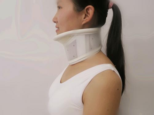 TJ-107 cervical collar with chin